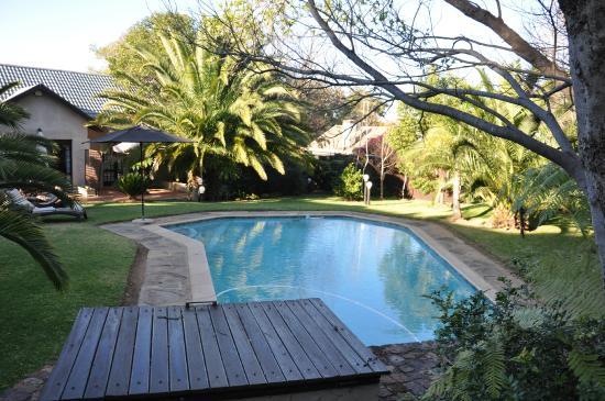 Ashdown House: Pool.