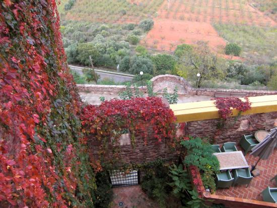 Hotel el jardin vertical vilafames espagne voir les for Jardin vertical castellon