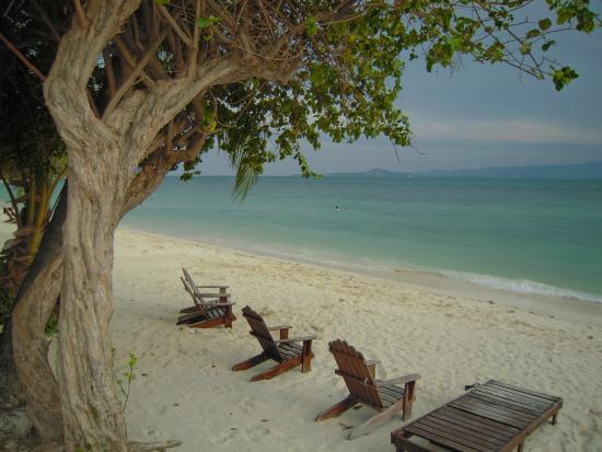 Cocohut Village Beach Resort & Spa: Spiaggia Leela Beach