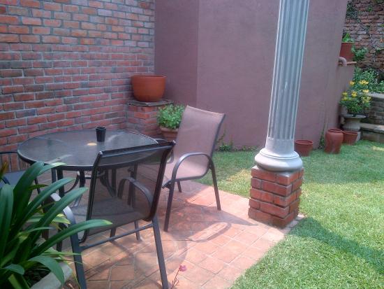 Leslie Lodge : each room has garden or veranda