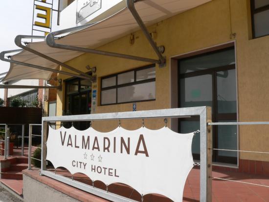 Hotel Valmarina : Entrata