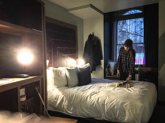 write a hotel review on tripadvisor paris