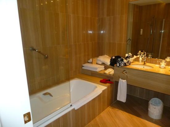 Hotel Restaurante Sa Punta: Bathroom