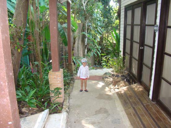 Koh Chang Cliff Beach Resort: рядом с номером