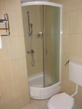 Hotel Srbija: bathroom