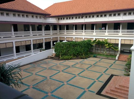 Three Kings Monument: Inner courtyard of the Cultural Centre, once the home of royalty.
