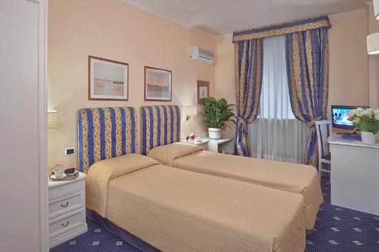 Hotel Napoleon: double room (twin)