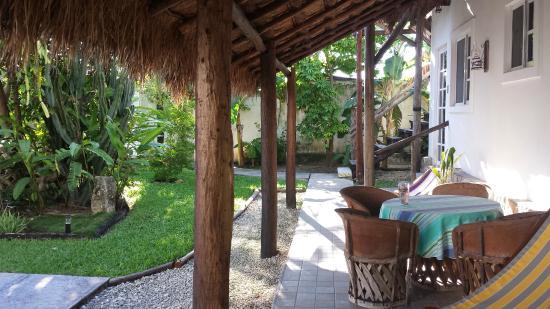 Villa Escondida Cozumel Bed and Breakfast: Porch