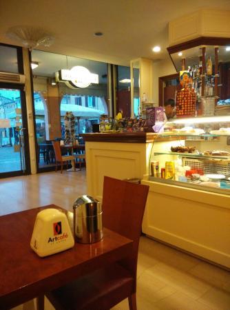 Caffe Don Camillo: Interno
