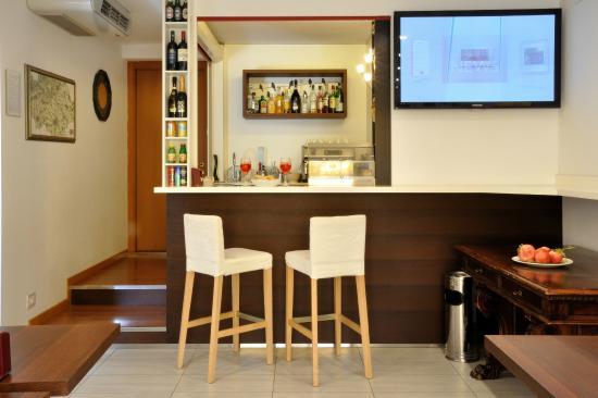 Hotel Mezzaluna: Bar