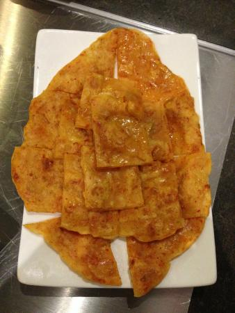 Meishi Restaurant: Pancake with kimchi (Pajeon)