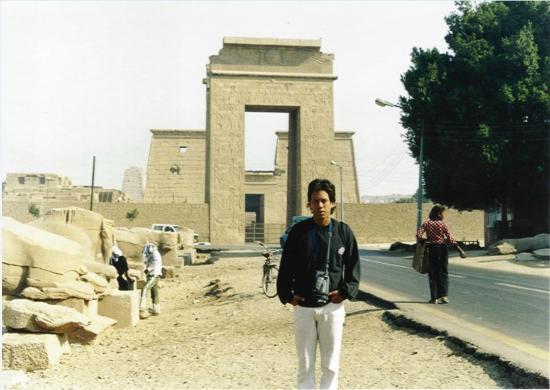 Avenue of Sphinxes : Avenida de las esfinges fuera del templo!