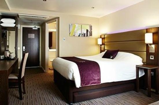 Premier Inn Derby West: Bedroom