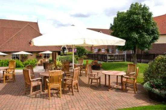 Premier inn bristol east emersons green hotel updated for Greens dining room zetland road bristol