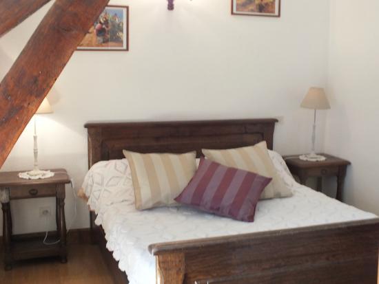 Anousta Chambres et Table d'Hotes a la Ferme : chambre Pic du Jer