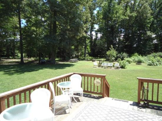 Shady Acres Bed and Breakfast: There's plenty of room at Shady Acres