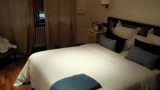 Hostal Carlos V: La habitación