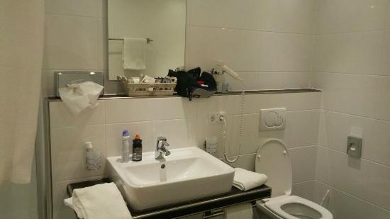 Der Westerhof Hotel: banheiro do quarto