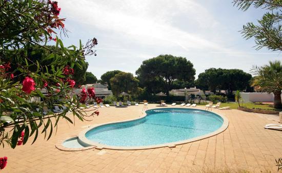 Prado Villas: Pool area
