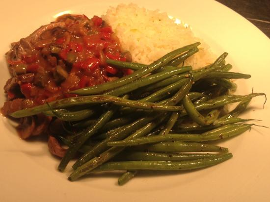 Red Bar and Restaurant: delicious beef stroganoff