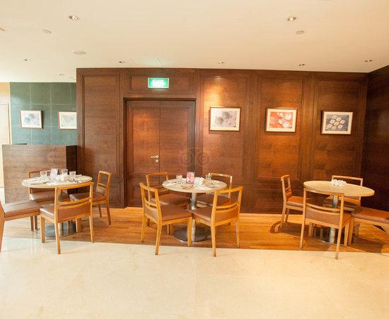 Feast @ East Buffet Restaurant at the Grand Mercure Roxy Singapore