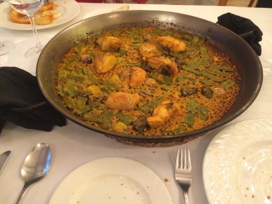 RACO DEL TURIA: Paella Valenciana ( soddisfatti ) !!!
