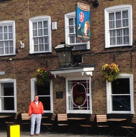 Rose and Crown: Stopped in for a few pints after a stroll on the Common.