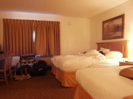 San Mateo SFO Airport Hotel : two queen beds