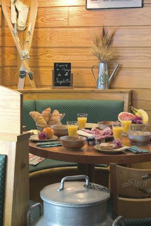 Le Bois Joli: coin petit dejeuner