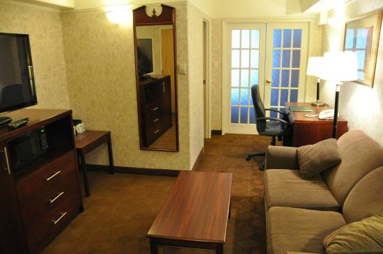 Tropical Inn Hotel and Conference Centre : Suite