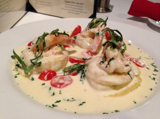 Yummy crabmeat ravioli with shrimp - Picture of Francesca's Trattoria ...
