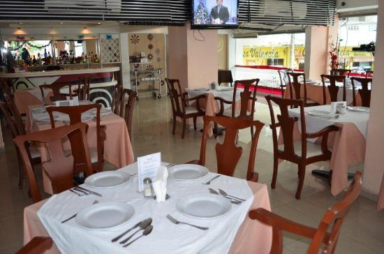 Best Western Minatitlan: En el restaurant podra deleitarse con comida tipica de la region.