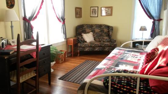Odessa Steps living room area.