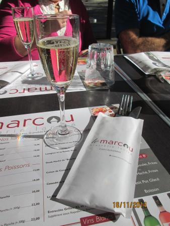 Le Marcou: champagne + carte