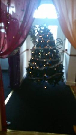 The Royal Hotel: the royal getting ready for Christmas 2014
