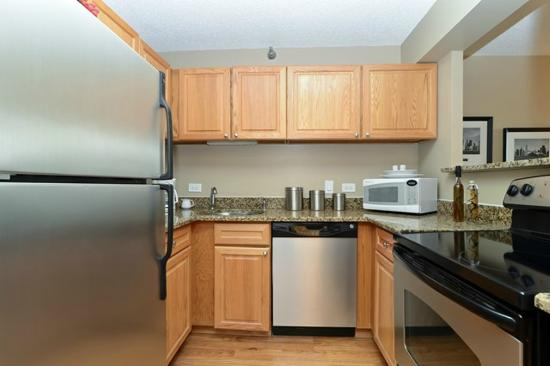 Corporate Suites Network at Presidential Towers: Kitchen