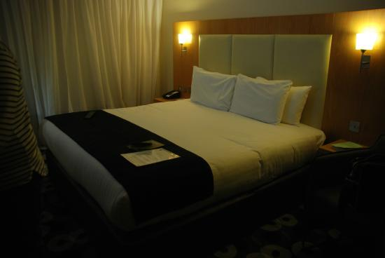 Holiday Inn Sittingbourne: Comfy King sized bed!