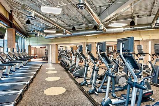 Corporate Suites Network at Presidential Towers: Health Club on Site