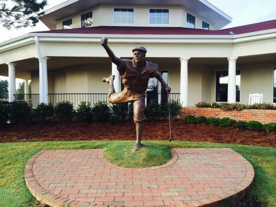 Pinehurst Course Number 2: Payne Statue