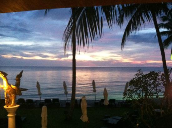 Santhiya Tree Koh Chang Resort: Dinner view
