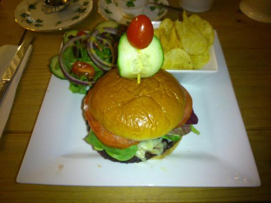 Lavender Tea Rooms: THE Best Burger!!
