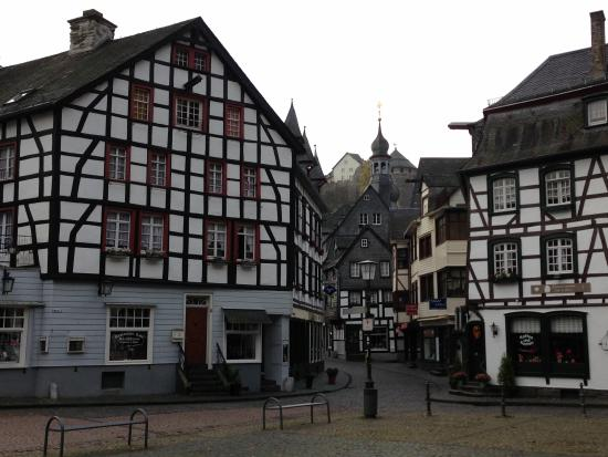 Burghotel Monschau: view in the town