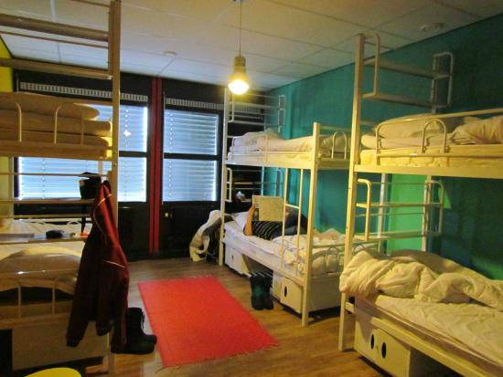 Hostelle: 6-people bedroom all to ourselves :P