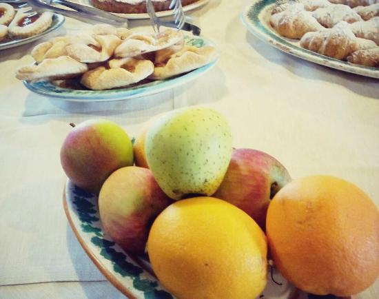 Case Perrotta: frutta di stagione