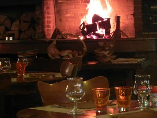 Le Bistrot 37'2: le feu de cheminée