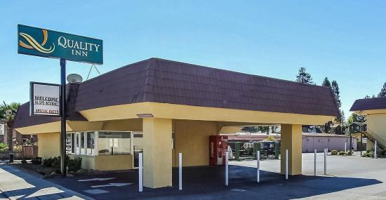 Quality Inn: Entrance