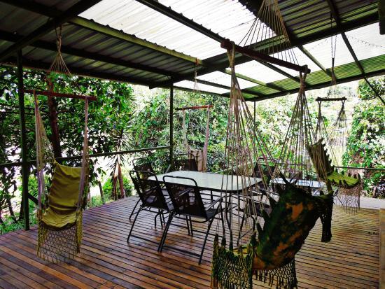 Ba os picture of la casa verde eco guest house banos for Design eco casa verde
