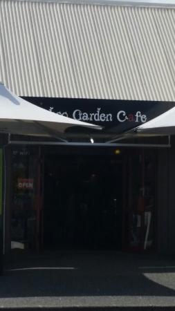 Bamboo Garden Cafe & Restaurant
