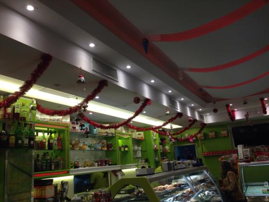 Bar-Pasticceria-Gelateria-Rosticceria F.lli De Maio: At Christmas time!