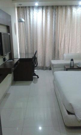 Hotel Diamond Plaza: Room